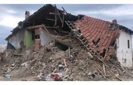 Denizli Acıpayam'da 1209 ağır hasarlı eve 480 konteyner verildi!
