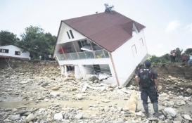 Düzce'de sel felaketi! Çok sayıda ev yıkıldı!