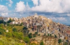 Sicilya'daki 11 bin ev internetten 1 Euro'ya satılıyor!