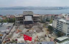 Atatürk Kültür Merkezi'nin yarısından çoğu yıkıldı!