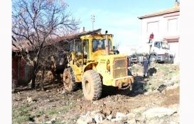Kırıkkale Yahşihan'da metruk binalar ve iş yerleri yıkılıyor!