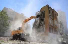 Kayseri Melikgazi'de metruk binaların yıkımına başlandı!