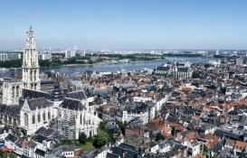 Belçika'da doğalgaz patlaması: 3 bina çöktü!