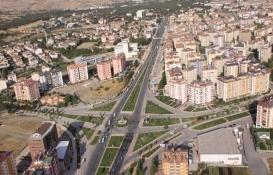 Elazığ'da yıkık evde yaşayan kadın için konut inşa edilecek!