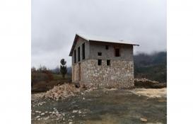 Bursa Osmangazi'deki kaçak villa yıkıldı!