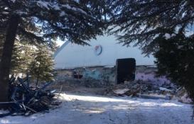 Afyonkarahisar Atatürk Spor Salonu yıkılıyor!