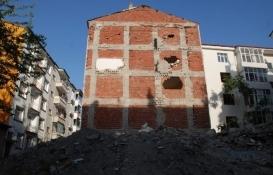Depremzedelerden Çevre ve Şehircilik Bakanlığı hakkında suç duyurusu!