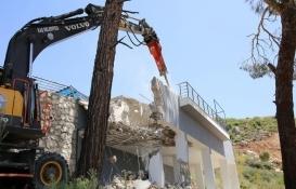 Antalya Döşemealtı'nda 15 kaçak yapı yıkıldı!