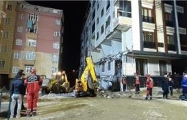 Bahçelievler'de çöken binanın enkazı kaldırıldı!