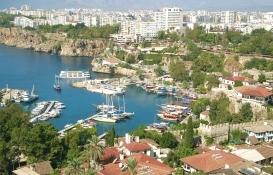 Koronavirüs Antalya'da inşaat sektörünü nasıl etkiledi?