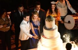 Efe Bezci ile Çağla Baykam nişanlandı!