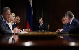 Rusya Başbakanı'ndan müteahhitleri yakından ilgilendiren karar!