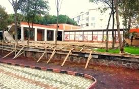 Menemen şehir parkında inşa edilen binanın kaçak olduğu iddiası!