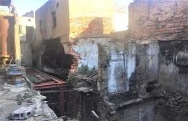 Karaköy'deki Yelkenciler Han bakımsızlıktan yıkılıyor!