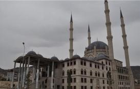 Nevşehir'de cami inşaatı için Diyanet Vakfı'na yarım milyon!