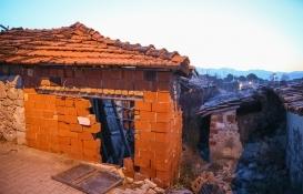 Manisa'da ki depremde 5 bina hasar aldı!