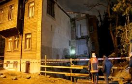 Fatih'te riskli iki bina boşaltıldı!