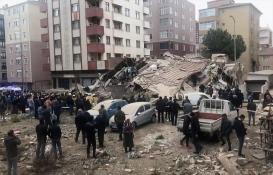 İstanbul Kartal'da bina çöktü!