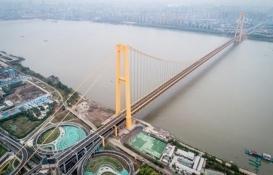 Dünyanın en uzun çift katlı asma köprüsü trafiğe açıldı!