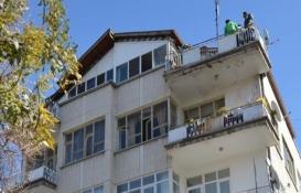 Emekli Mimar Aliye Aköz'ün çöp evi!