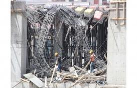 Antalya'da çöken tavan kalıbının altında kalan inşaat işçileri yaralandı!