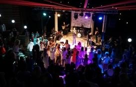 Arkeon Evleri'nde RE/MAX BETA sponsorluğunda yaza veda partisi yapıldı!