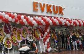 Samsun'da bitmeyen inşaata mağaza açtılar!
