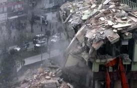 Yıkımına başlanan Bursa İller Bankası'nın binası çöktü!