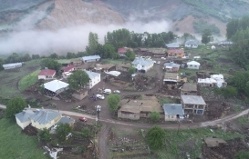 Bingöl Yedisu'da kerpiç yapılar yıkıldı!