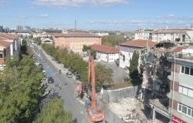 Zonguldak'taki 2 katlı metruk bina yıkıldı!