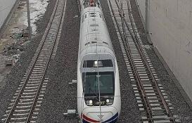 Ankara-Sivas YHT Projesi'nde günlük 1.750 metre ray seriliyor!