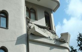 Şişli'de balkonu çöken bina tahliye edildi!