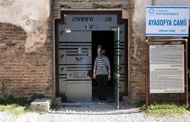 1700 yıllık Ayasofya'ya cam kapı taktılar!