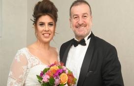 Mimar Aysun Çardak gazeteci Burhan Akdağ ile evlendi!