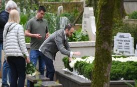 Mina Başaran'ın mezarı beyaz çiçeklerle süslendi!