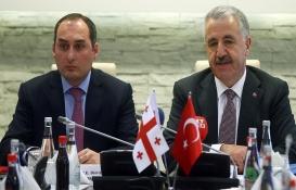 Ahmet Arslan: Bakü-Tiflis-Kars Demiryolu hattında hedef Çin!