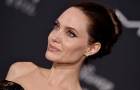 Angelina Jolie Miraval Şatosu'ndaki hissesini sattı!