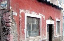 Fatih'teki tarihi kapı karakolu yıkılıyor!