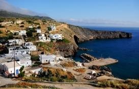 Yunanistan Küçük Çuha Adası'na yerleşenlere ev, arsa ve para verecek!