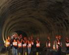 Öğrenciler İstanbul'da metro inşaat şantiyesini gezdi!