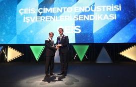 Çimento Endüstrisi İşverenleri Sendikası'na Kristal Baret Ödülü!