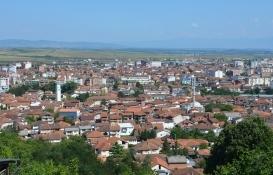 Kosova'da emlak ofisleri çalışmaya başladı!