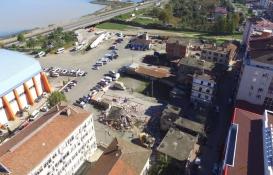 Yomra Kent Meydanı Projesi'nde yıkım çalışmaları sürüyor!