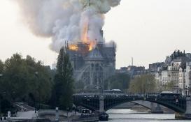 Notre Dame'nin yeniden inşası için bağış yağdı!