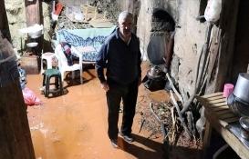 Sivas'ta sel nedeniyle 7 ev hasar gördü!