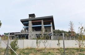 Nilüfer'de kaçak villanın yıkımına başlandı!
